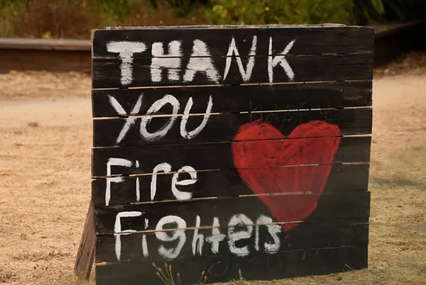 Thank you sign to firefighters
